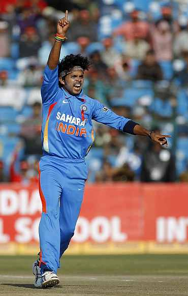 S Sreesanth celebrates after picking up a wicket during the second ODI against New Zealand in Jaipur