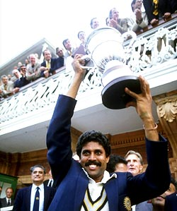 Kapil Dev with the 1983 World Cup trophy