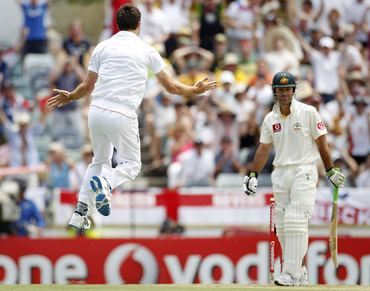 Anderson celebrates the wicket of Ponting