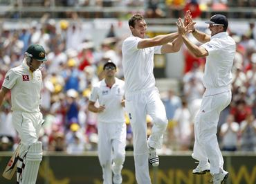 Tremlett celebrates the wicket of Clarke