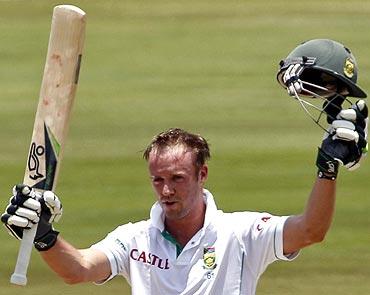 AB de Villiers celebrates after scoring his century