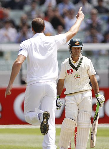Ponting walks back as Tremlett celebrates