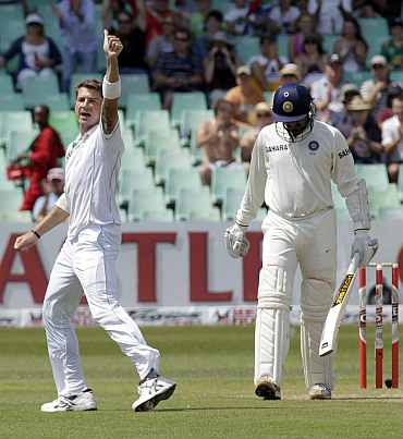 South Africa's Dale Steyn celebrates after picking up India's Zaheer Khan during the second Test in Durban