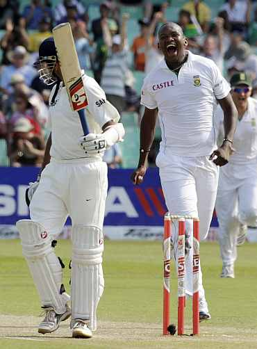 South Africa's Lonwabo Tsotsobe celebrates after picking up India's Rahul Dravid during the second Test in Durban