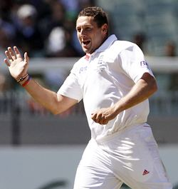 Tim Bresnan celebrates the dismissal of Ponting