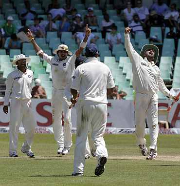 India's players ccelebrate after winning the second Test against South Africa in Durb