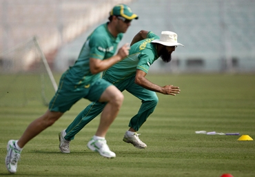 Hashim Amla and teammate de Villiers