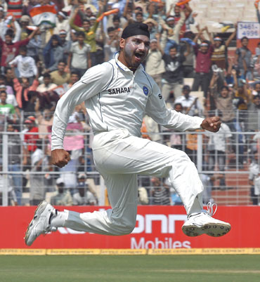 Harbhajan SIngh celebrates after he picked up Morne Morkel