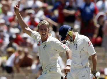Brett Lee appeals for Andrew Flintoff's wicket