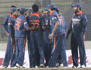 Indian players celebrate Lahiru Thirumanne's wicket