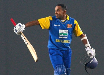 Thilan Samaraweera celebrates after his century