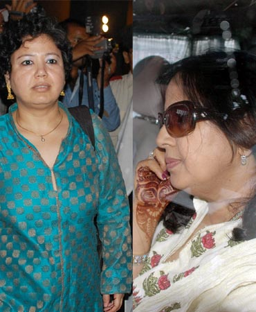 Sakshi's mother Sheela Rawat (right) and her cousin Abhilasha Bisht