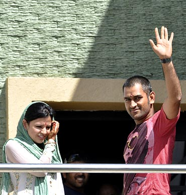 Mahendra Singh Dhoni and his wife Sakshi