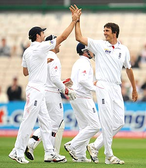 England players celebrate after defeating Bangladesh