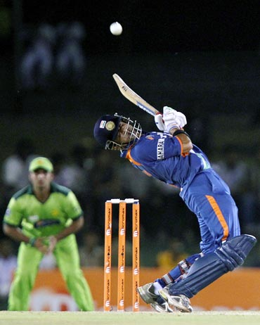 Gautam Gambhir avoids a bouncer