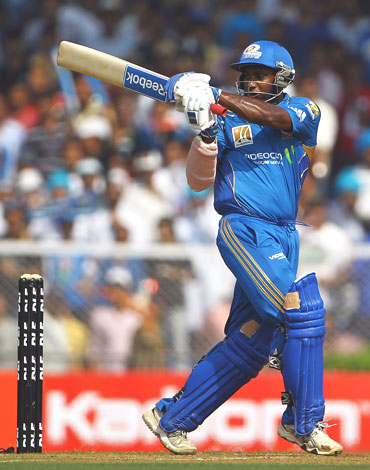 Sanath Jayasuriya pulls one to the boundary