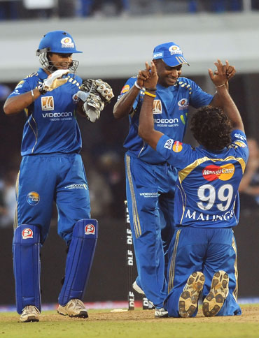 Malinga celebrate after winning the game