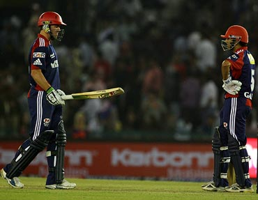 AB de Villiers (left) with Gautam Gambhir