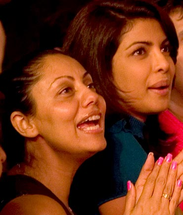 Shah Rukh's wife Gauri Khan with Priyanka Chopra