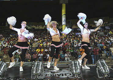 Cheerleaders of the Deccan Chargers shake a leg