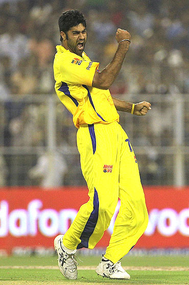 Manpreet Gony celebrates after the fall of Kolkata Knight Riders' Manoj Tiwary