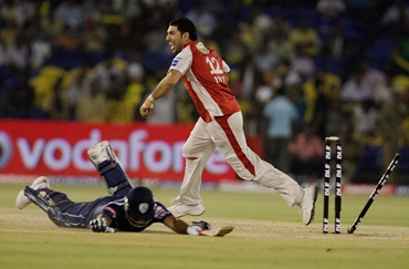 Yuvraj celebrates after Jayawardene runs out Rohit Sharma