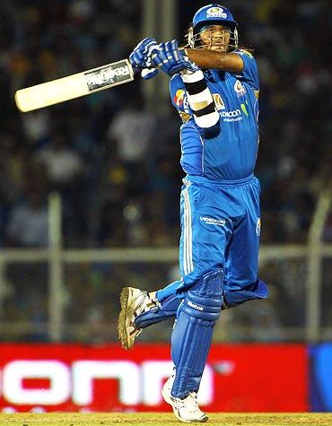 Saurabh Tiwary hits a six