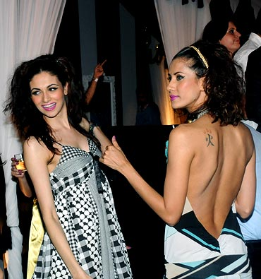 Models at the IPL Nights