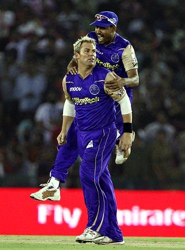 Shane Warne and Yusuf Pathan celebrate