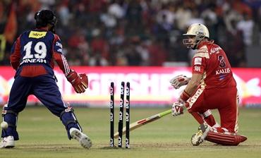 Kallis is bowled by Amit Mishra