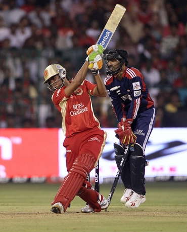Manish Pandey is bowled