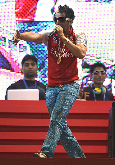 Jazzy B performs before a match in Chandigarh