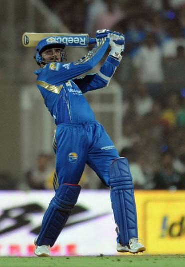 Harbhajan Singh hit a six