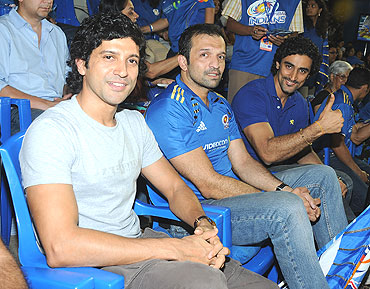 Farhan Akhtar, Atul Kasbekar and Kunal Kapoor catch the action at the Brabourne stadium