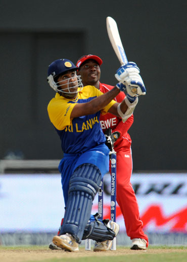 Mahela Jayawardene hits a six
