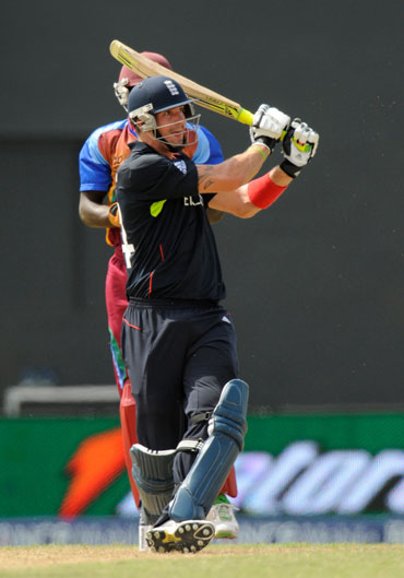 Kevin Pietersen hits a boundary