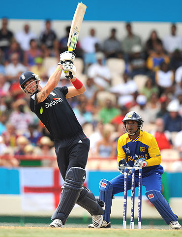 Pietersen hits one out of the park as Kumar Sangakkara looks on
