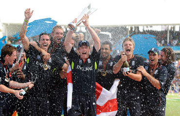 England's Paul Collingwood lifts the ICC World Twenty20 trophy