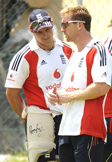 Andrew Strauss (left) with Paul Collingwood
