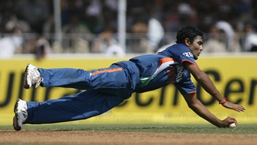 Ravindra Jadeja makes a vain attempt for a catch