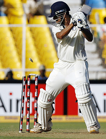 Rahul Dravid is bowled by Chris Martin