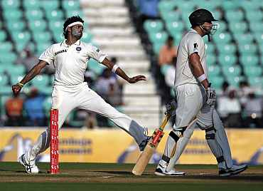 S Sreesanth in action during the third Test in Nagpur