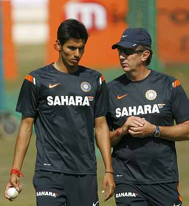 Sudeep Tyagi with Eric Simons, the Indian cricket team's bowling consultant