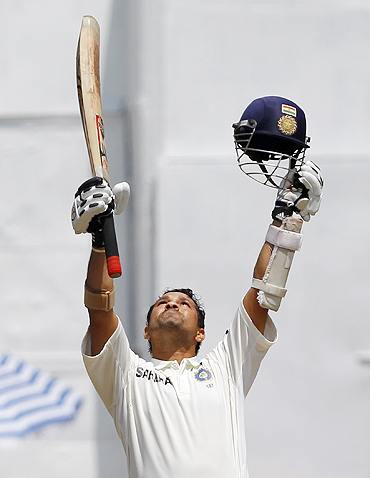 Sachin Tendulkar thanks the Almighty on completing his century