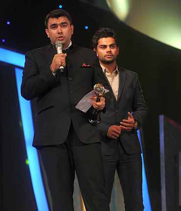 Gagan Narang recieves the Outstanding performer of the CWG