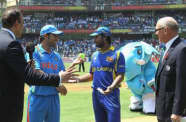 Confusion at the toss during the India, Sri Lanka World Cup final in Mumbai