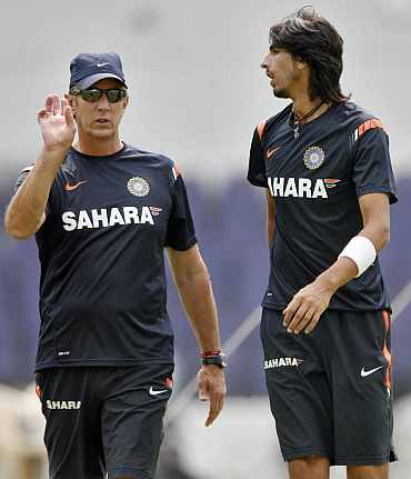 India's bowling coach Eric Simmons and Ishant Sharma