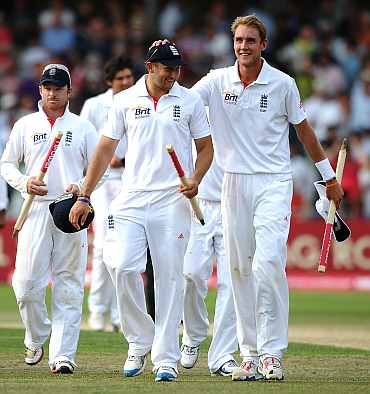 England players walk off the pitch after they beat India