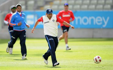 Dravid and Tendulkar warm-up ahead of Monday's nets session at Edgbaston
