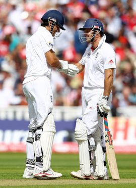 Cook and Strauss compliment each other during Day 2